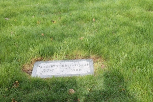 IMG_0135 (3) Mom's grave stone